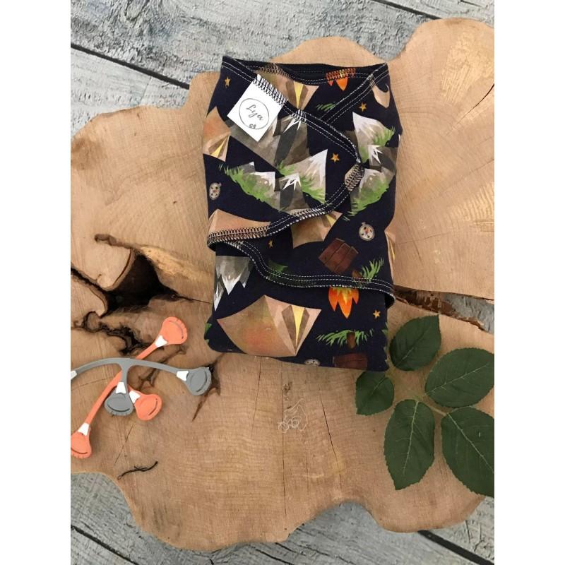 Camping - Preflat diaper - 28in x 28in - Cotton/spandex